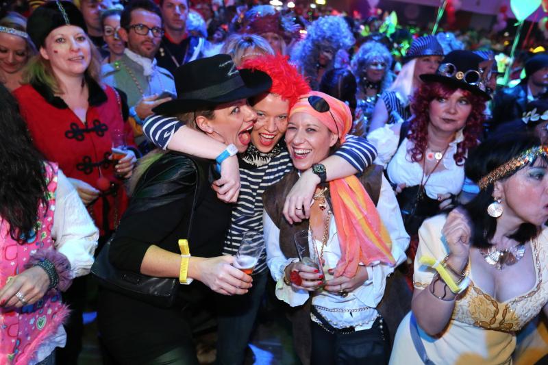 Lost Sisters_Weiberfastnacht_ Jeckenklinik Rheinterrassen Köln_Do. 27.Feb.2014